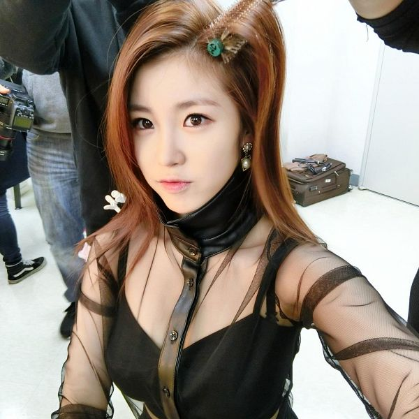 Tags: K-Pop, Secret, Jun Hyoseong, Hair Roller, Collarbone, Midriff, See Through Clothes, Light Background, White Background