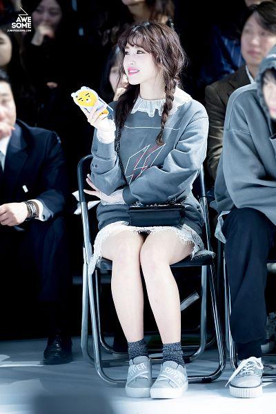 Tags: K-Pop, Secret, Jun Hyoseong, Gray Shirt, Twin Braids, Braids, Looking Away, Sweater, Silver Footwear, Socks, Bare Legs, Green Eyes