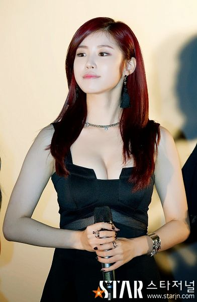 Tags: K-Pop, Secret, Jun Hyoseong, Suggestive, Sexy Pose, Red Hair