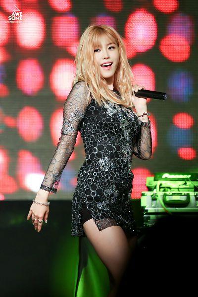 Tags: K-Pop, Secret, Jun Hyoseong, Bracelet, Black Outfit, Black Dress, Bare Legs, Shorts, Black Shorts, Awesome (Fansite)