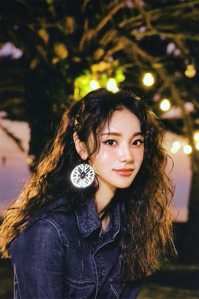Tags: K-Pop, LOOΠΔ, Jung Jinsoul, Wavy Hair, Scan, Midnight (LOOΠΔ)