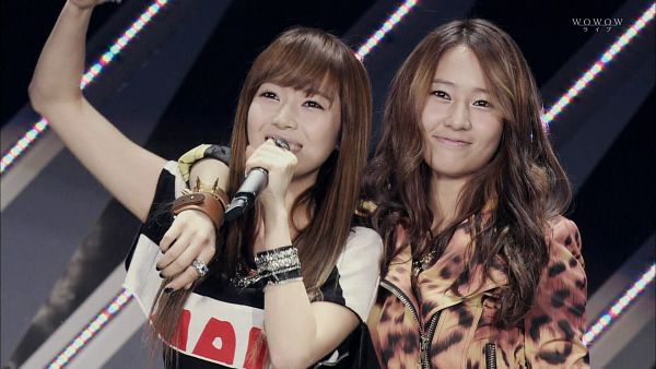 Tags: K-Pop, Jung Sisters, Girls' Generation, Jessica Jung, Krystal Jung, Sisters, Siblings, Family, HD Wallpaper, Wallpaper