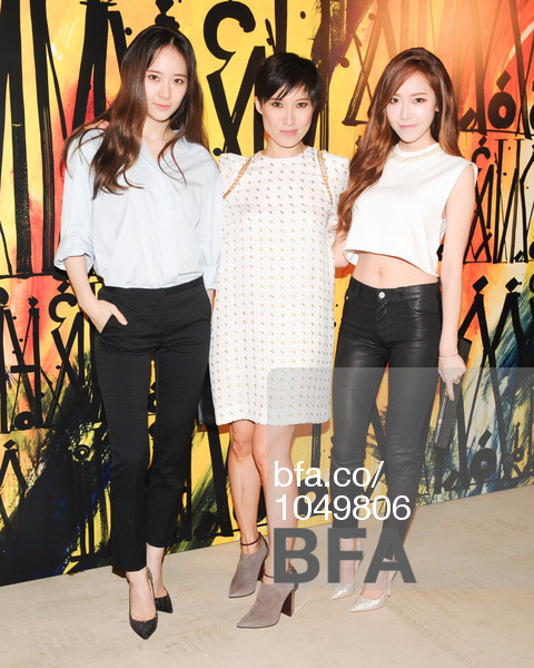 Tags: K-Pop, Jung Sisters, Girls' Generation, f(x), Jessica Jung, Krystal Jung, White Dress, Blue Shirt, Jimmy Choo, Pants, Navel, Brown Footwear