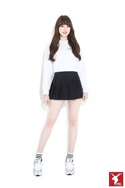 Tags: K-Pop, G-friend, Jung Yerin, Socks, Light Background, Skirt, White Background, Sneakers, Full Body, Black Skirt, Shoes, Simple Background