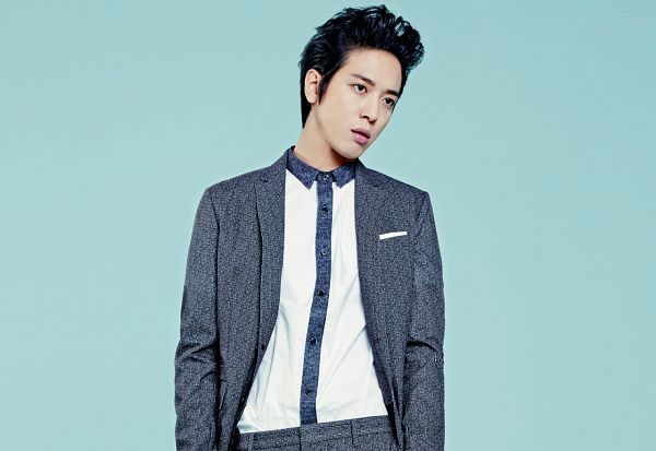 Tags: K-Pop, CNBLUE, Jung Yong-hwa, Gray Pants, Gray Jacket, Looking Away, Gray Outerwear, Blue Background