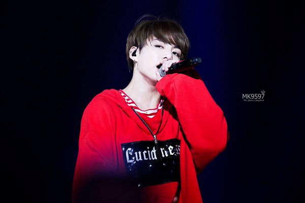 Tags: K-Pop, BTS, Jungkook, Hoodie, Striped, Earbuds, Stage, Striped Shirt, Serious, Red Shirt, Hood, Singing