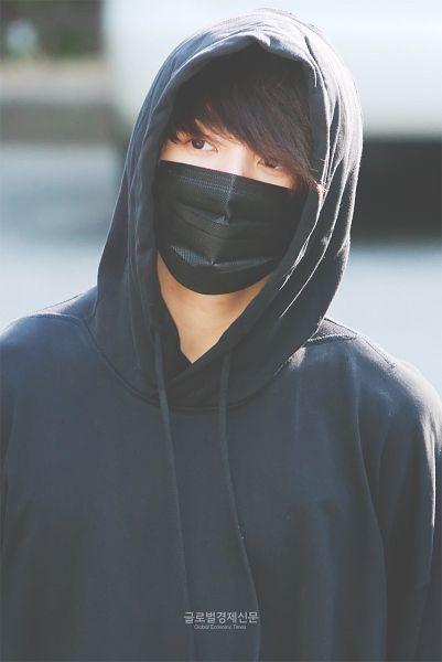 Tags: K-Pop, BTS, Jungkook, Hoodie, Close Up, Outdoors, Black Outfit, English Text, Hood, Looking Away, Korean Text, Hood Up