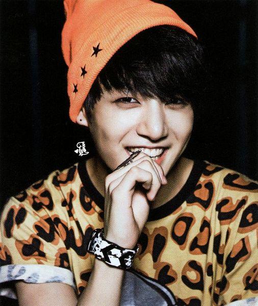 Tags: K-Pop, BTS, Jungkook, Watch, Animal Print, Short Sleeves, Wristwatch, Leopard Print, Black Eyes, Ring, Red Hair, Hat