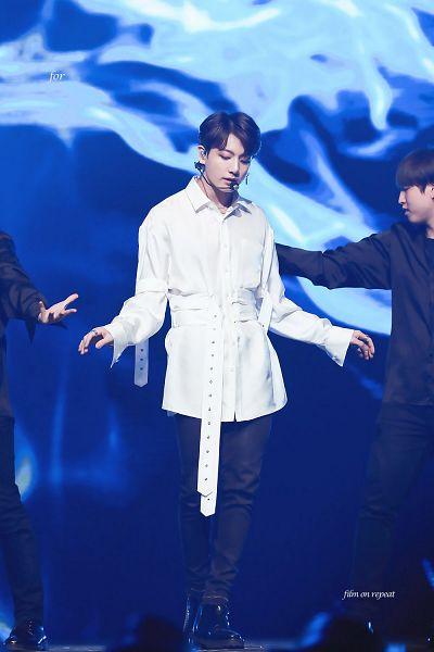 Tags: K-Pop, Bangtan Boys, Jungkook, Bracelet, Looking Down, Belt, Stage, Necklace, Dancing, Earrings, Singing, Black Pants