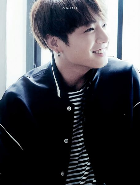 Tags: K-Pop, Bangtan Boys, Jungkook, Black Eyes, Striped Shirt, Grin, Black Shirt, Looking Away, Striped, Window, Anan Magazine, Magazine Scan