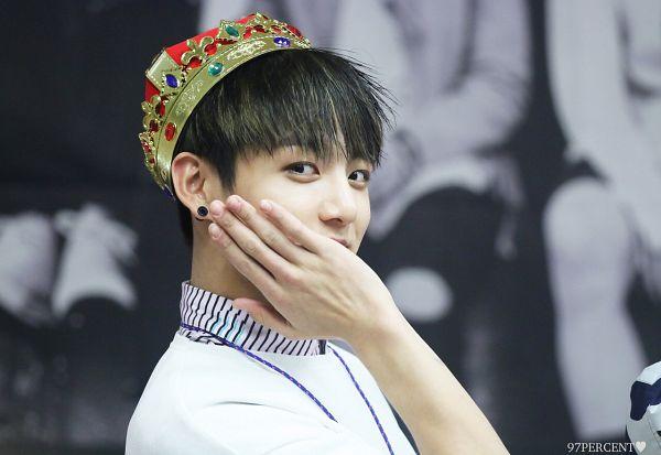 Tags: K-Pop, BTS, Jungkook, Hand On Head, Headdress, Crown, Hand On Cheek
