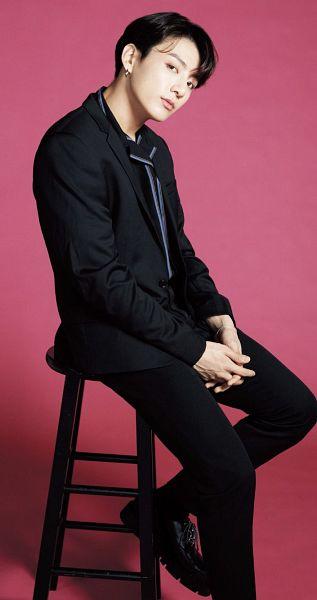 Tags: K-Pop, Bangtan Boys, Jungkook, Bent Knees, Pink Background, Sitting, Anan Magazine, Magazine Scan