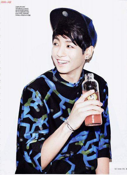 Tags: K-Pop, BTS, Jungkook, White Background, Black Eyes, Grin, Bracelet, Korean Text, Bottle, Light Background, Short Sleeves, CeCi