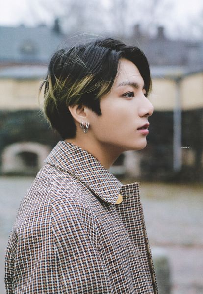 Tags: K-Pop, BTS, Jungkook, Multi-colored Hair, Flowing Hair, Plaided Coat, Side View, Brown Outerwear, Black Eyes, Coat, Plaided Print, Outdoors