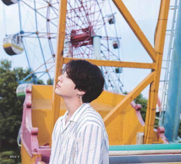 Tags: K-Pop, BTS, Jungkook, Ferris Wheel, Striped, Striped Shirt, Eyes Half Closed, Side View, Amusement Park, Scan, BTS Memories of 2019, BTS 2019 Summer Package
