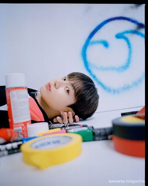 Tags: K-Pop, BTS, Jungkook, Graffiti, Laying On Back, Ring, Laying Down, Necklace, Magazine Scan, Weverse Magazine, Weverse