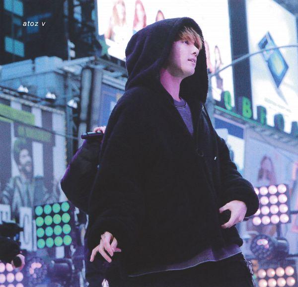 Tags: K-Pop, BTS, Jungkook, Hood Up, Hoodie, Black Pants, Outdoors, Side View, Dancing, Hood, Red Hair, BTS Memories of 2019