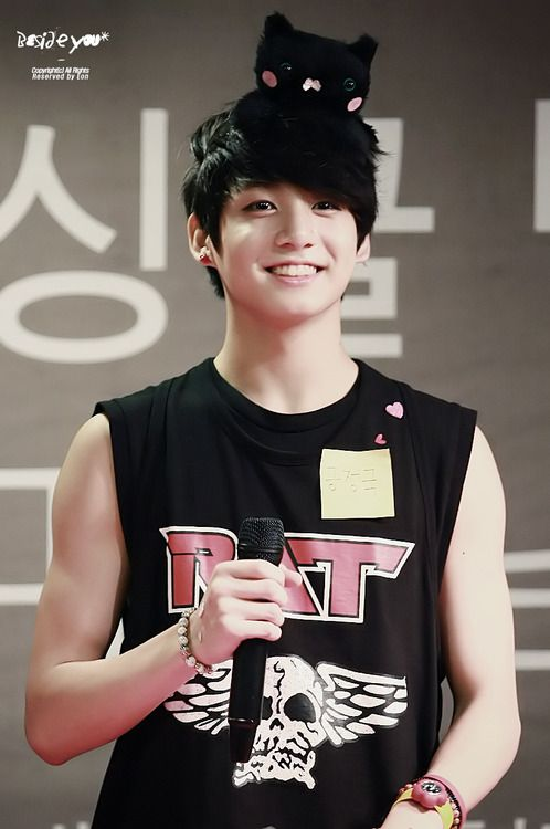 Tags: K-Pop, BTS, Jungkook, Sleeveless, Bare Shoulders, Watch, Bracelet, Tank Top, Black Eyes, Wristwatch, Grin, Sleeveless Shirt