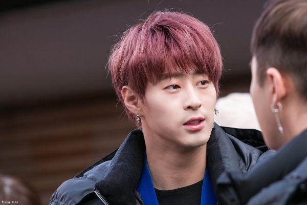 Tags: K-Pop, AxisB, Juno, Blunt Bangs, Red Hair, Black Jacket, Close Up