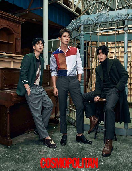 Tags: K-Drama, EXO, Lee Jun-ki, Byun Baekhyun, Hong Jong-hyun, Gray Pants, Coat, Sweater, Green Outerwear, Stool, Turtleneck, Chair