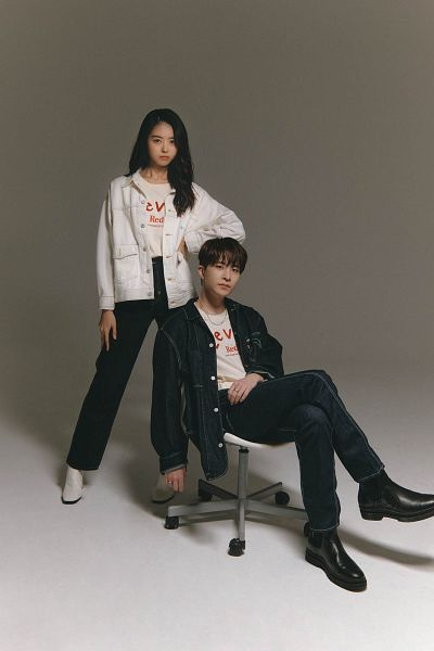Tags: K-Pop, Got7, Pristin, Choi Youngjae, Im Nayoung, Duo, Serious, Black Pants, White Jacket, White Outerwear, Levi's