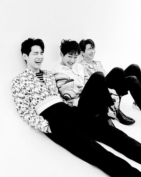 Tags: K-Pop, SHINee, DAY6, Got7, Kim Wonpil, Onew, Choi Youngjae, Eyes Closed, Monochrome, Three Males, Trio, Hand In Pocket