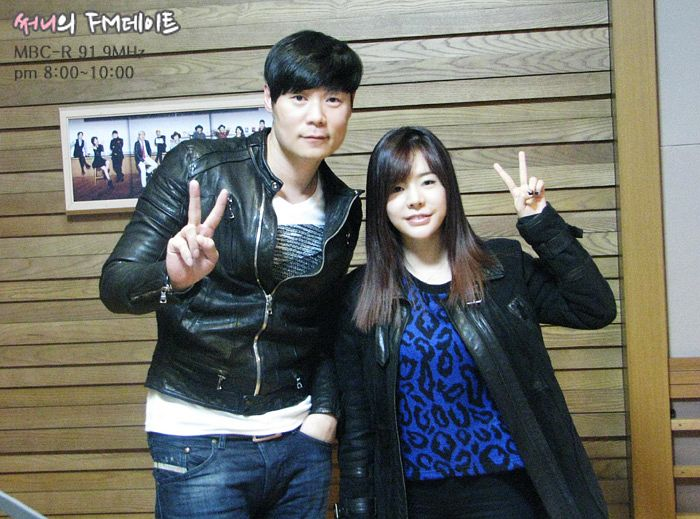 Tags: K-Pop, Girls' Generation, Sunny, Choi Hyun-seok, Black Jacket, Text: Series Name, Leather Jacket, Duo, Hand In Pocket, Leopard Print, Blue Shirt, Black Outerwear