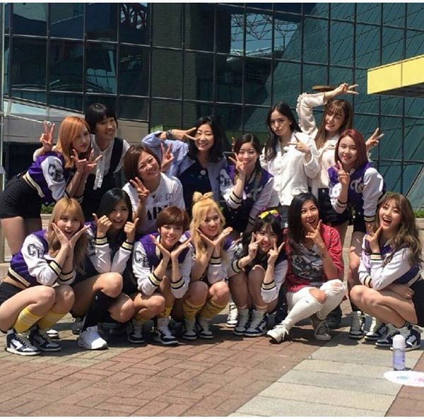 Tags: K-Pop, Girls' Generation, Twice, Myoui Mina, Yoo Jeongyeon, Jihyo, Stephanie Young Hwang, Minatozaki Sana, Hirai Momo, Kim Dahyun, Im Nayeon, Tzuyu