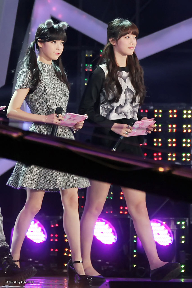 Tags: K-Pop, f(x), IU, Sulli, Black Outfit, Stage, Twin Tails, Duo, Full Body, Gray Dress, High Heels, Ring