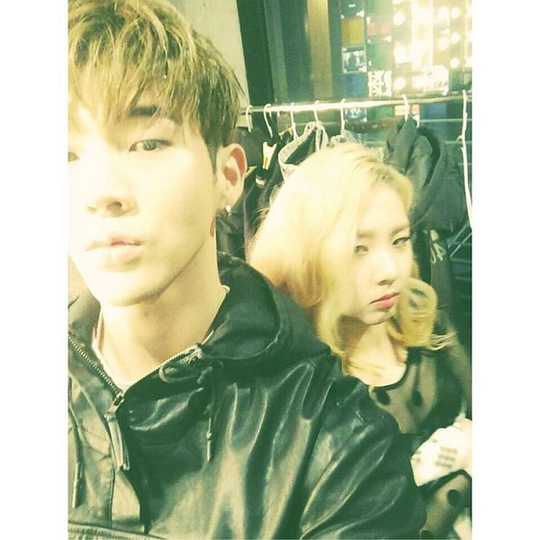 Tags: K-Pop, K.A.R.D, BM, Jeon Jiwoo, Duo, Close Up, Selca, Instagram