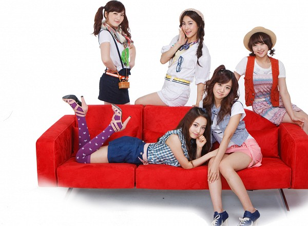Tags: K-Pop, KARA, Hara Goo, Gyuri Park, Jiyoung Kang, Nicole Jung, Seungyeon Han, Laying On Stomach, Full Group, Couch, White Background, White Skirt