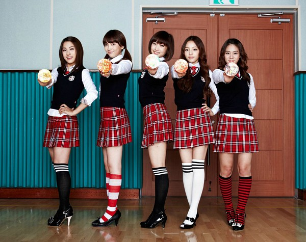 Tags: K-Pop, KARA, Gyuri Park, Jiyoung Kang, Nicole Jung, Seungyeon Han, Hara Goo, Wavy Hair, Red Neckwear, Holding Object, Twin Tails, Black Outerwear