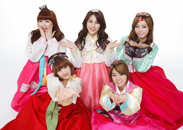 Tags: K-Pop, KARA, Nicole Jung, Seungyeon Han, Hara Goo, Gyuri Park, Jiyoung Kang, Quintet, Full Group, Skirt, Five Girls, Light Background