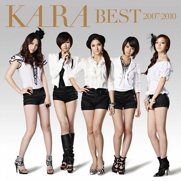 Tags: K-Pop, KARA, Jiyoung Kang, Nicole Jung, Seungyeon Han, Hara Goo, Gyuri Park, Black Shorts, High Heels, Bare Shoulders, Medium Hair, White Jacket
