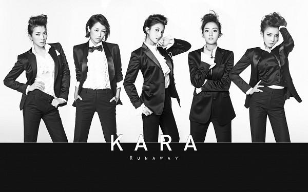 Tags: K-Pop, KARA, Runaway (Kara), Nicole Jung, Seungyeon Han, Hara Goo, Gyuri Park, Jiyoung Kang, Black Jacket, Black Bow, Hand In Pocket, Black Shirt