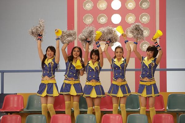 Tags: K-Pop, KARA, We're With You, Gyuri Park, Jiyoung Kang, Nicole Jung, Seungyeon Han, Hara Goo, Cheerleader, Five Girls, Megaphone, Medium Hair