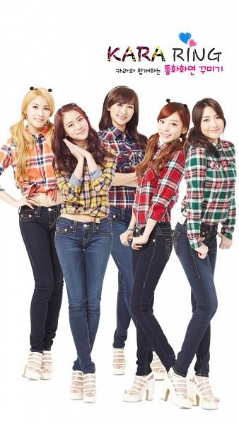 Tags: K-Pop, KARA, Gyuri Park, Jiyoung Kang, Nicole Jung, Seungyeon Han, Hara Goo, Twin Tails, Green Shirt, Midriff, White Footwear, Jeans