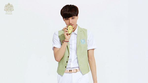 Tags: K-Pop, EXO, Kai, Belt, Fruits, Light Background, White Pants, White Background, Vest, Short Sleeves, Avocado, Ivy Club