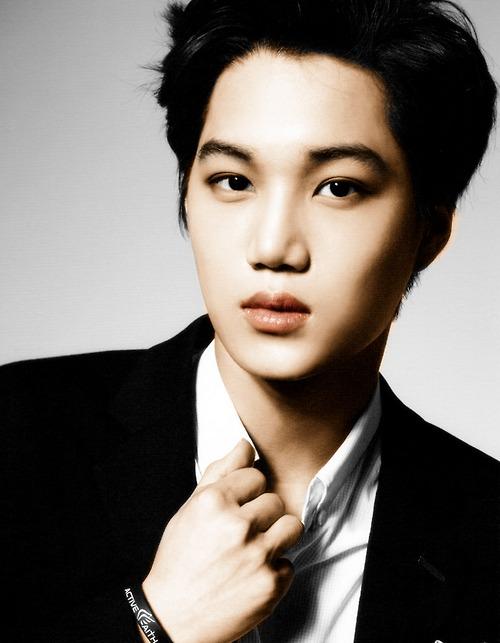 Tags: K-Pop, EXO, Kai, Gray Background, Bracelet, Black Jacket