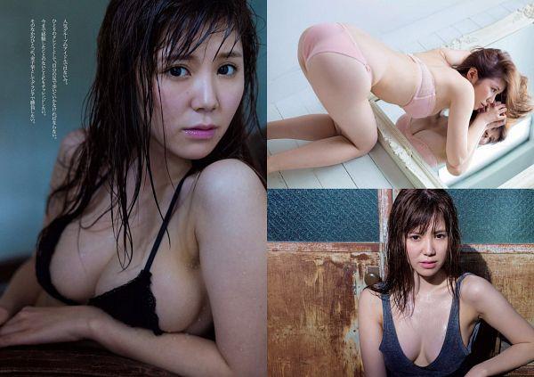 Tags: J-Pop, SKE48, Kaneko Shiori, Bare Back, Bra, Glass, Bend Over, Gray Shirt, Suggestive, Wet Hair, Butt, Back