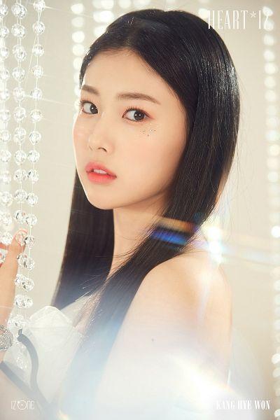 Tags: K-Pop, IZ*ONE, Kang Hyewon, Text: Artist Name, Text: Album Name, Black Eyes, Twitter