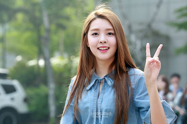 Tags: K-Pop, Berry Good, Kang Sehyung, Teeth, Walking, Black Eyes, Ring, Blue Shirt, V Gesture, Wallpaper
