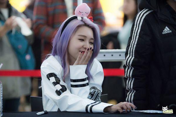 Tags: K-Pop, Berry Good, Kang Sehyung, Bent Knees, Sitting, Covering Mouth, Make Up, Hairband, Nail Polish, Purple Hair