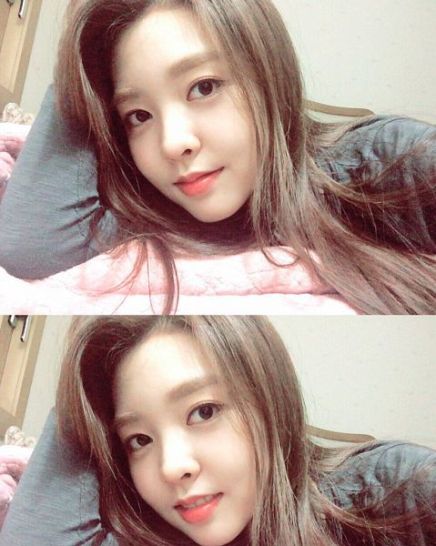 Tags: K-Pop, Berry Good, Kang Sehyung, Multiple Persona, Laying On Stomach, Grin, Laying Down, Black Eyes, Selca