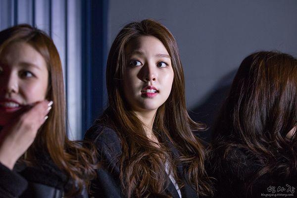 Tags: K-Pop, Berry Good, Kang Sehyung, Gowoon, Looking Away, Black Shirt