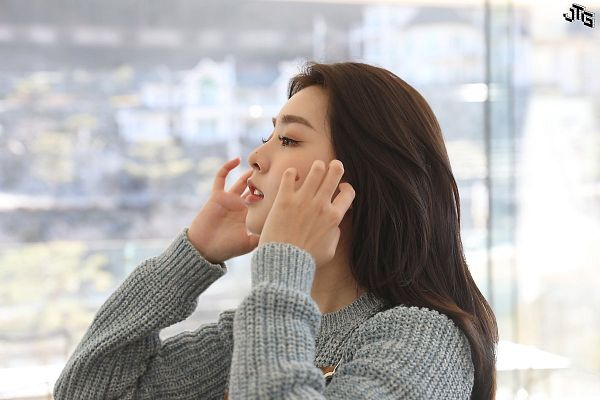 Tags: K-Pop, Berry Good, Kang Sehyung, Gray Outerwear, Window, Sweater, Arms Up, Side View