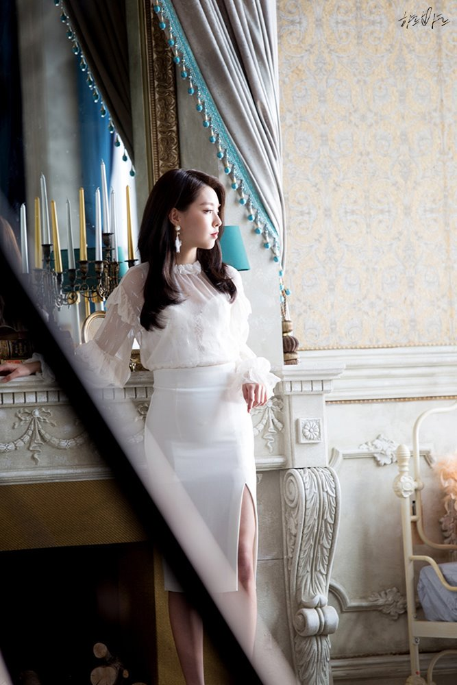Tags: K-Pop, Berry Good Heart Heart, Berry Good, Crazy Gone Crazy, Kang Sehyung, Glass, Chandelier, Candle, White Outfit, Fireplace, Serious, White Dress