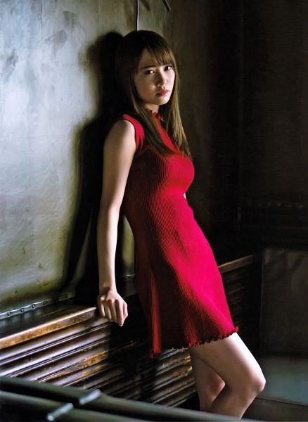 Tags: J-Pop, Keyakizaka46, Kato Shiho, Collar (Clothes), Bare Shoulders, Red Dress, Sleeveless Dress, Blunt Bangs, Red Outfit, Sleeveless, Turtleneck, Magazine Scan