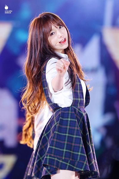 Tags: K-Pop, Lovelyz, Kei, Blue Outfit, Checkered, Checkered Dress, Side View, Blue Dress, Hold Out Hand, Android/iPhone Wallpaper