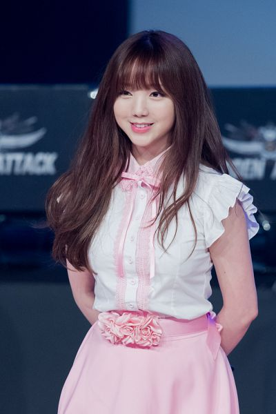 Tags: K-Pop, Lovelyz, Kei, Arms Behind Back, Live Performance, Android/iPhone Wallpaper